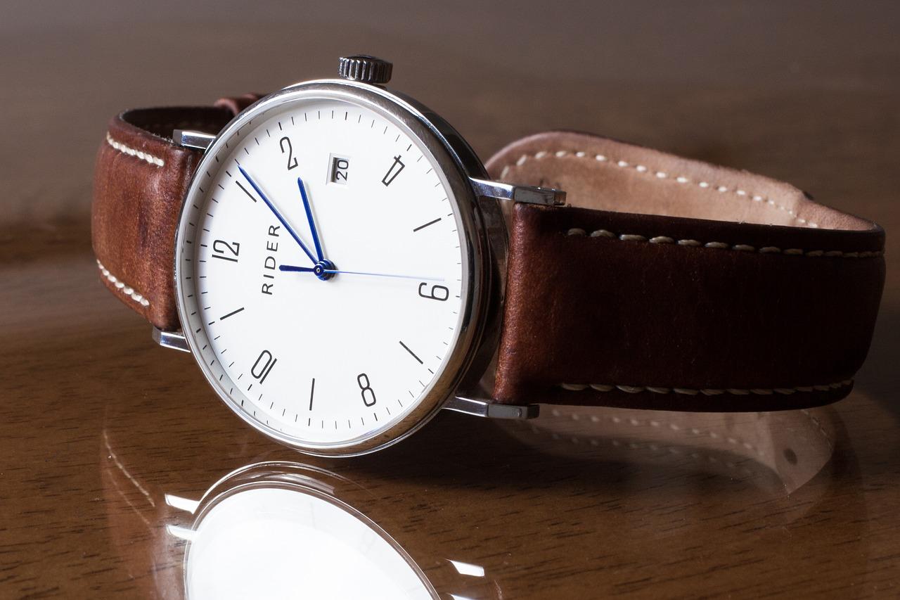 腕時計【クリスマス!大学生の彼氏にあげるプレゼント人気ランキング】